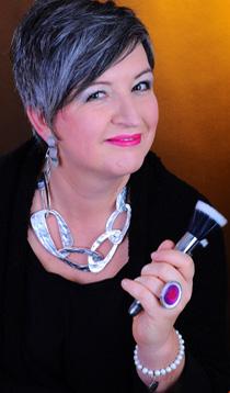 Charisma Coach, Farbberaterin & Visagistin, Regionaldirektorin bei Deesse cosmetics of Switzerland - Christel Wedler