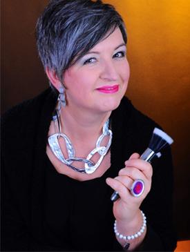 Make-up-Kurse und Farbberatung bietet Visagistin und Farbberaterin Christel Wedler (Regionaldirektorin Deesse Gütersloh)